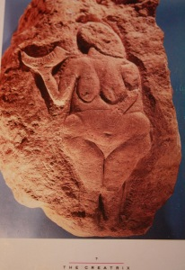Great Goddess of Laussel 20,000 B.C.E., The Herat of the Goddess, Hallie Iglehart Austen http://heartgoddess.net/creation/